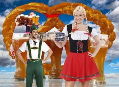 Oktoberfest 2017 la festa della birra, costumi bavarese, sfilati e musica